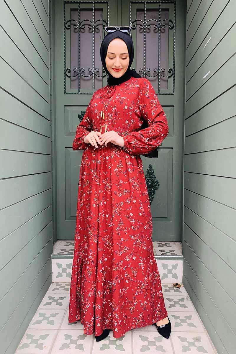 Kemer Detaylı Desenli Tesettür Elbise Bordo